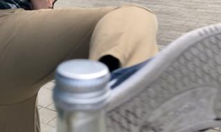 Neuer Internet-Hype ausgebrochen: Das ist die Bottle Cap Challenge