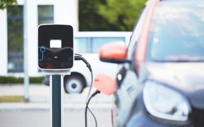 Die meisten Ladestationen für Elektro-Autos stehen in Hamburg